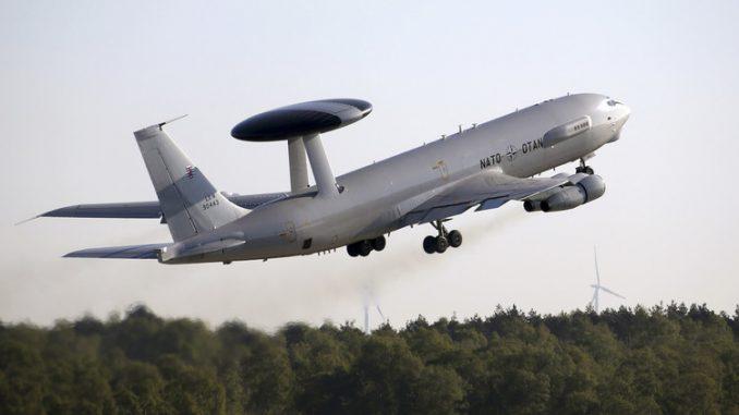 طائرة الإنذار المبكر (أواكس)