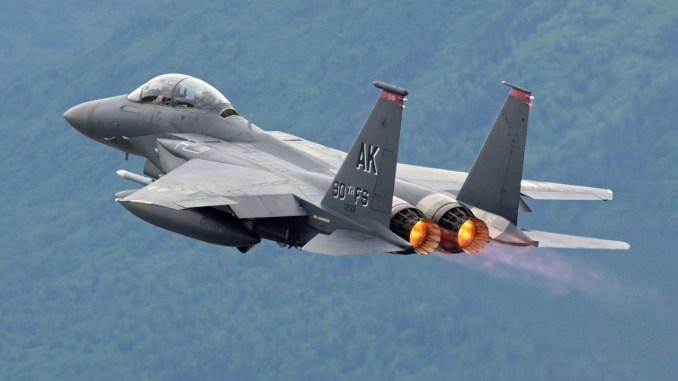 مقاتلة F-15