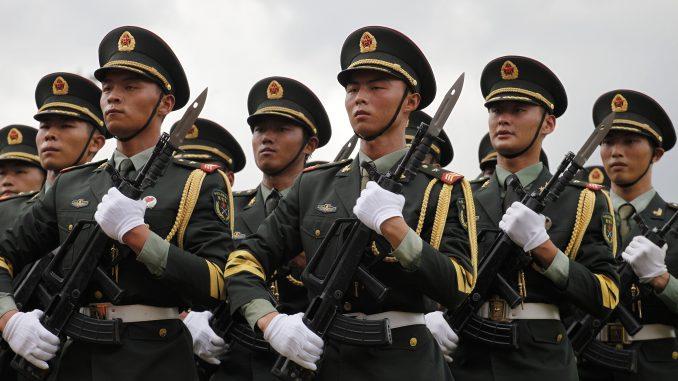 عناصر من الجيش الصيني