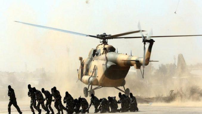 قوات ليبية في قاعدة طرابلس الجوية