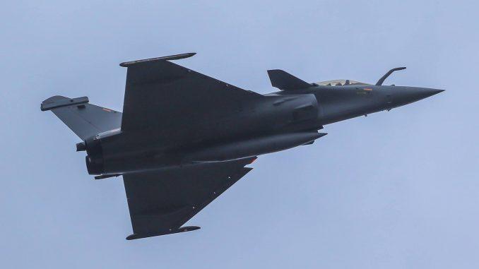 مقاتلة رافال ثنائي المقعد ذات الرمز DM16