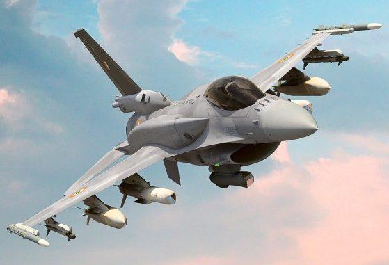 """مقاتلة """"أف-16"""""""
