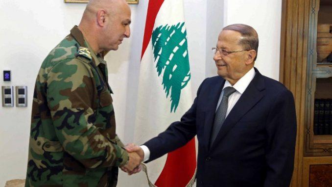 الرئيس اللبناني العماد ميشال عون يهنّىء قائد الجيش الجديد العماد الركن جوزيف عون