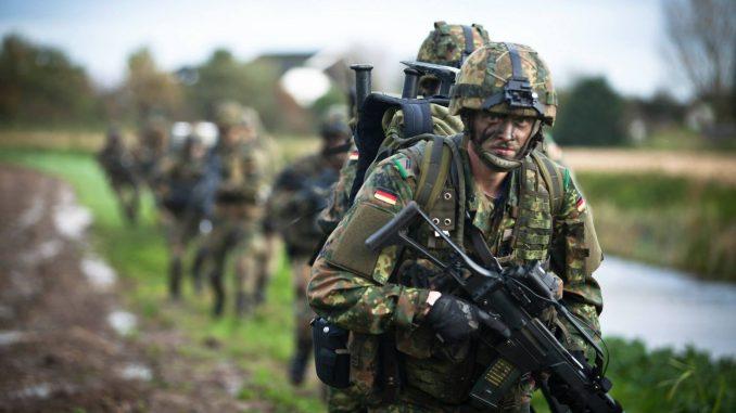أفراد من الجيش الألماني