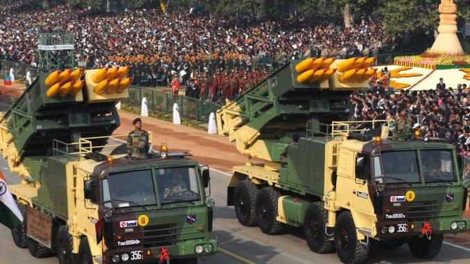 الجيش الهندي خلال عرض عسكري