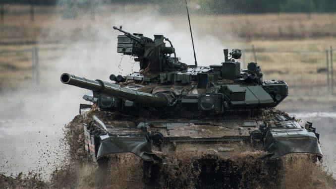دبابة من نوع تي-90