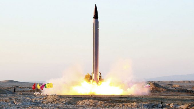 إطلاق صاروخ باليستي إيراني