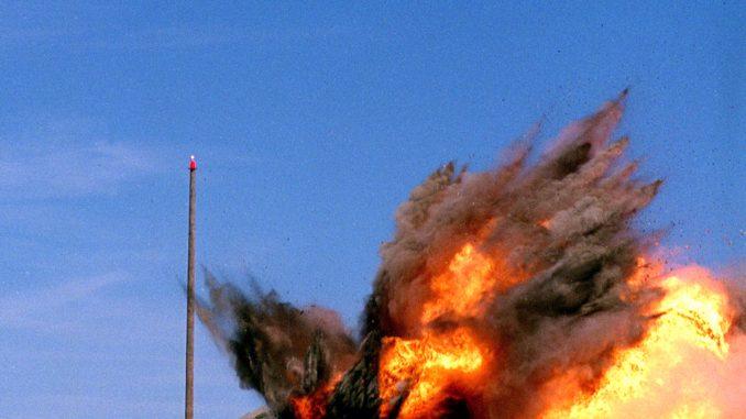 صاروخ توماهوك يدمّر هدفه
