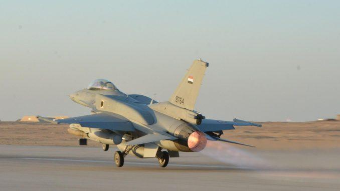 مقاتلة أف-16 بلوك 52