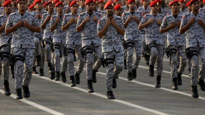 عناصر من قوات الأمن السعودية (Reuters)