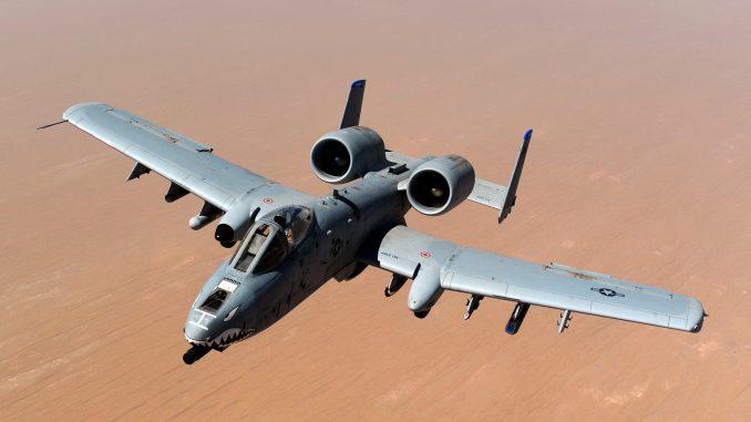 طائرة أيه-10