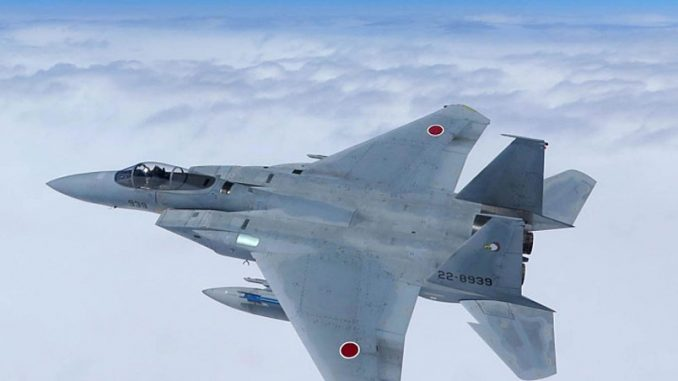 مقاتلة أف-15 يابانية