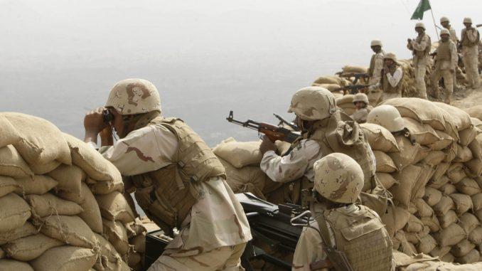 قوات سعودية على الحدود مع اليمن