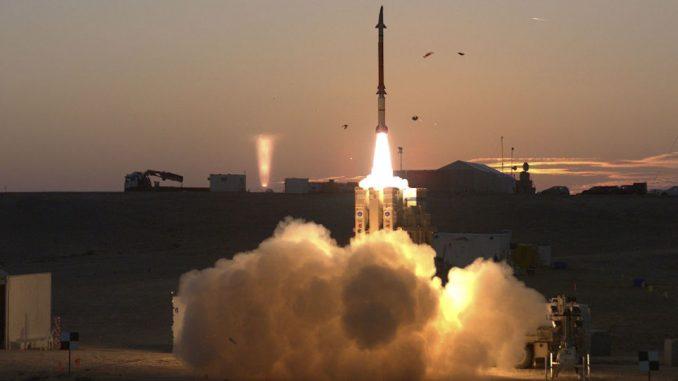 إطلاق صاروخ إعتراضي في إسرائيل