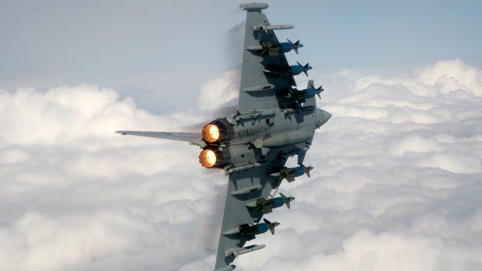 قنابل بافواي 4 على مقاتلة تايفون