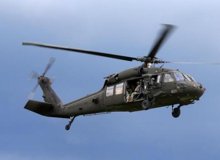 طائرة هليكوبتر من طراز بلاك هوك