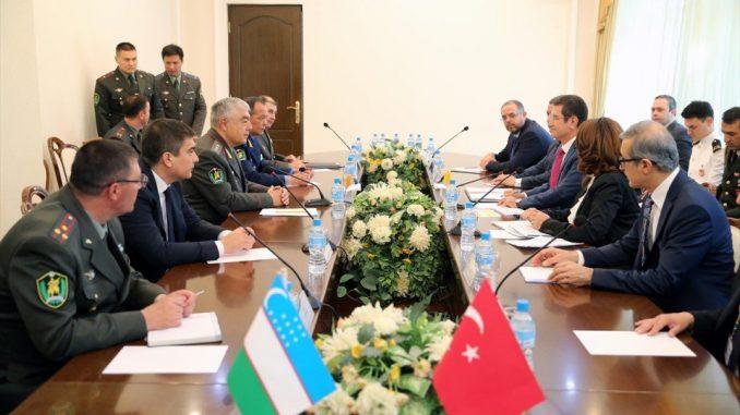 توقيع الإتفاقية بين الجانبية التركي والأوزبكي