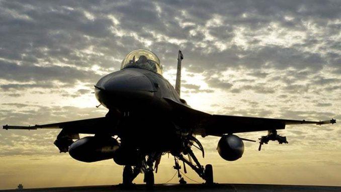 مقاتلة أف-16