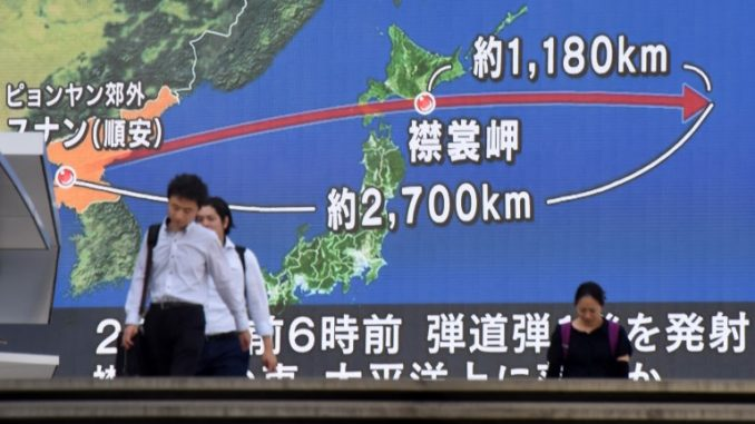 خريطة توضيحية لإطلاق صواريخ كورية شمالية فوق اليابان (AFP)