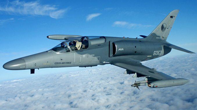 طائرة L-159