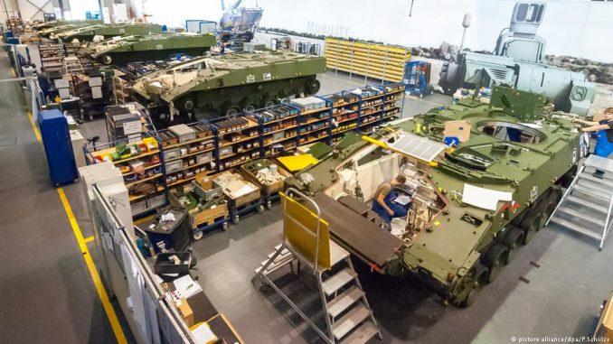"""مصنع إنتاج الدبابات في شركة """"رينميتال"""" الألمانية"""