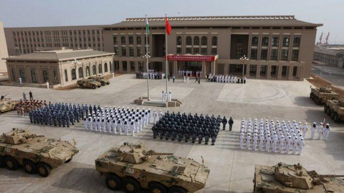 عناصر من الجيش الصيني في القاعدة العسكرية في جيبوتي (AFP)