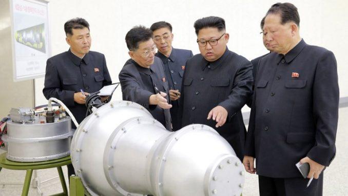 الرئيس الكوري الشمالي يتفقّد القنبلة الهيدروجينية (AFP)