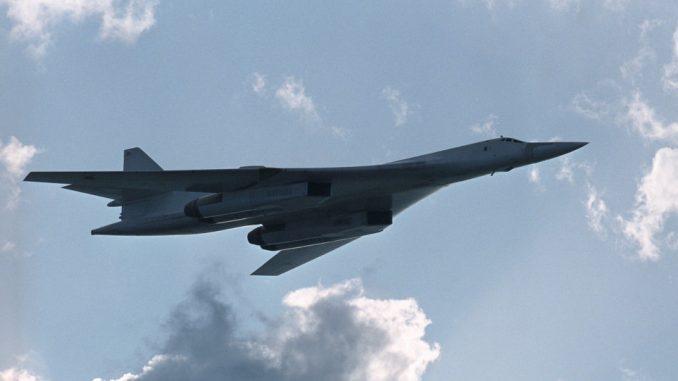 القاذفة الروسية تو-160