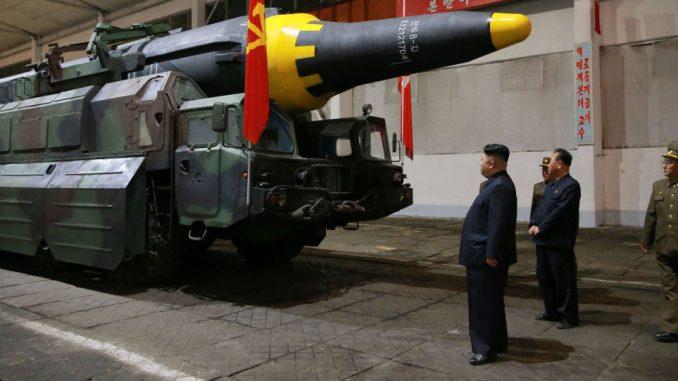 الرئيس الكوري الشمالي يطّلع على أحدث الأسلحة محلية الصنع