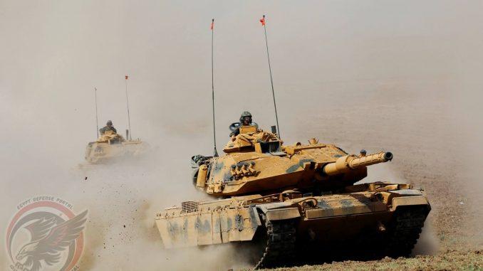 دبابتا M60 Sabra تابعتان للجيش التركي