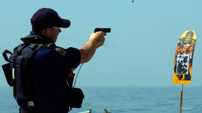 عنصر من البحرية الأميركية