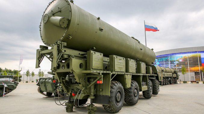 """منظومة صواريخ """"53تي6"""" الروسية في إحدى المعارض العسكرية"""