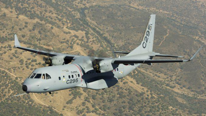 طائرة C295
