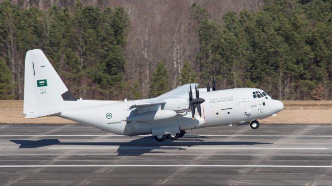 """طائرة النقل """"سي-130"""" تابعة للقوات الجوية السعودية"""