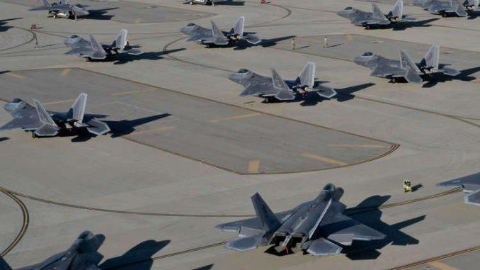 مقاتلات شبح أميركية من طراز إف-22 رابتور