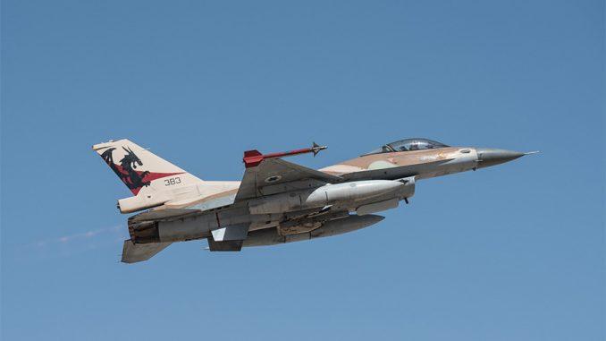 طائرة أف-16 حربية تابعة لسلاح الجو الإسرائيلي (وزارو الدفاع الإسرائيلية/Flickr)