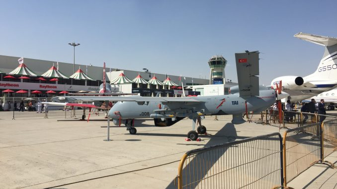 طائرة ANKA من دون طيار التركية خلال فعاليات معرض دبي للطيران 2017 (صورة خاصة)