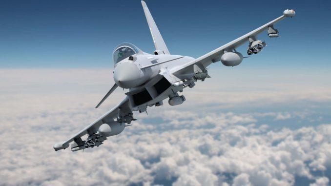 مقاتلة يوروفايتر تايفون معززة بالأسلحة وفقاً لبرنامج المرحلة الثالثة (Phase 3) القائم على تزويد الطائرة بأنواع متطوّرة من الأسلحة (BAE Systems)