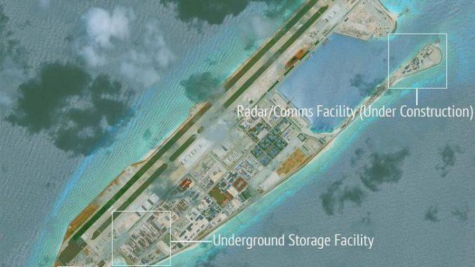 منشآت بإحدى جزر الصين الإصطناعية ببحر الصين الجنوبي نشرتها مبادرة الشفافية البحرية لآسيا التابعة لمركز واشنطن للدراسات الإستراتيجية والدولية في 16 حزيران/يونيو الماضي (رويترز)