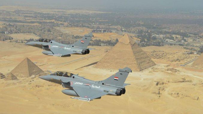 مقاتلتا رافال تابعتان لسلاح الجو المصري (Dassault Aviation)