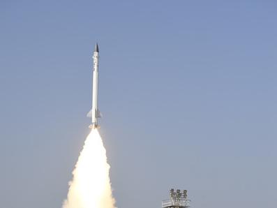 إطلاق صاروخ إعتراضي في الهند