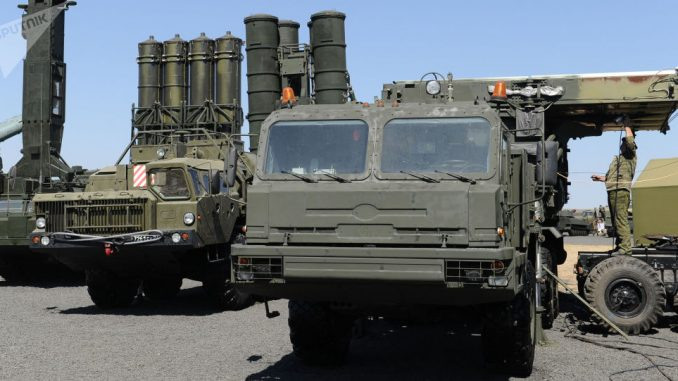 منظومات صواريخ مضادة للطائرات من طراز أس-400 في الحقل العسكري كاداموفسكي في منطقة روستوفسكيا أوبلوست، روسيا (Sputnik)