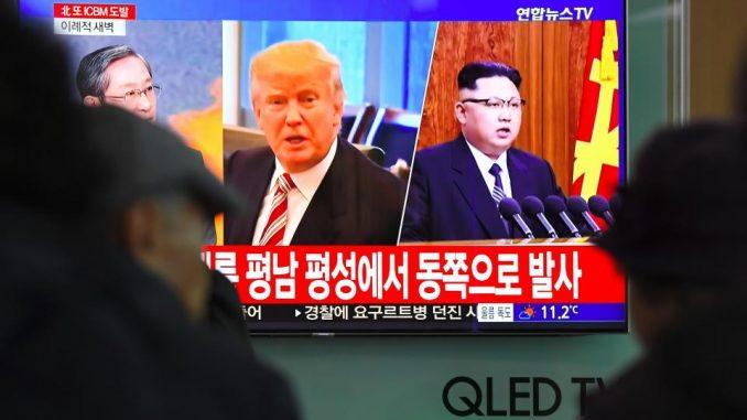الرئيس الأميركي دونالد ترامي ونظيره الكوري الشمالي كيم جونغ أون في حرب مستمرة من الكلمات (Getty Images)