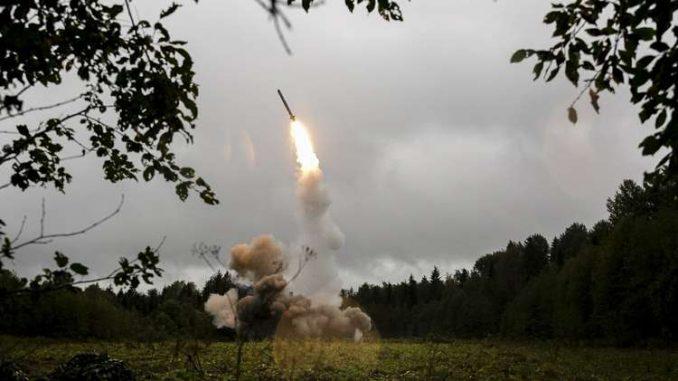 """منظومة """"إسكندر"""" الروسية لصواريخ """"أرض - أرض"""""""