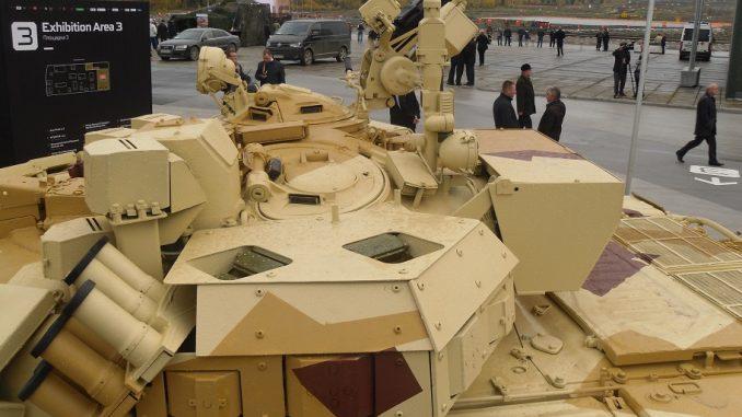 """منظومة """"أرينا"""" الدفاعية خلال عرض ثابت في معرض الأسلحة الروسية 2013 (مواقع عسكرية)"""