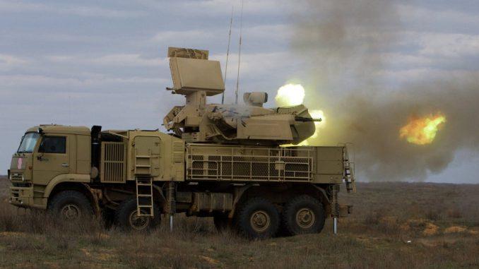 """منظومة """"بانتسير أس-1"""" الروسية خلال عمليات إطلاق نيران في سوريا (وكالة سبوتنيك)"""