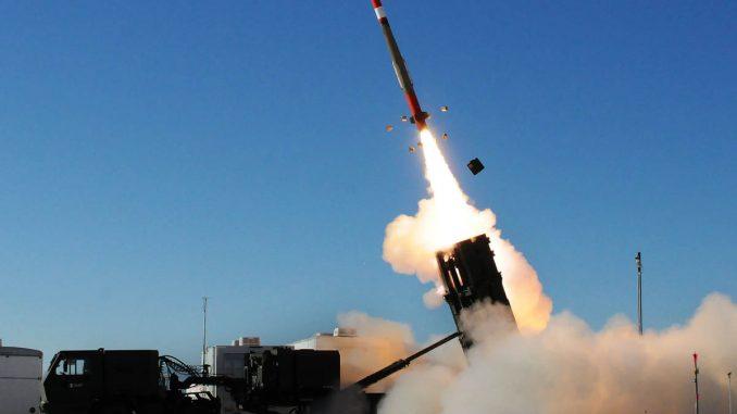 """نظام باك-3 يتم إطلاقه لاعتراض هدف خلال اختبار تجريبي في نطاق الصواريخ """"وايت ساندز"""" في 29 تشرين الثاني/نوفمبر الماضي (DefPost)"""