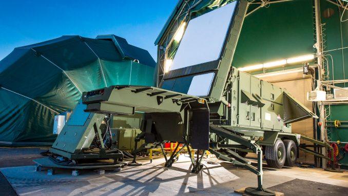 نموذج عن رادار الباتريوت المُعاد تصميمه والذي يستخدم نوعين من التكنولوجيا: منظومة المسح الإلكتروني النشط ومنظومة المسح الكهربائي النشطة العاملة بنتريد الجاليوم (شركة رايثيون)