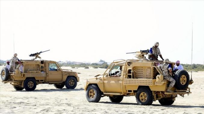 """عناصر من الجيش القطري خلال مناورات """"عرين الأسد"""" العسكرية، من 14 وحتى 22 آذار/مارس الجاري بمشاركة قوات تركية (وكالة الأناضول)"""