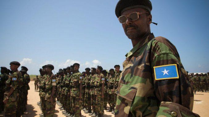 عناصر من القوات المسلّحة الصومالية أثناء تدريبات (صورة أرشيفية)